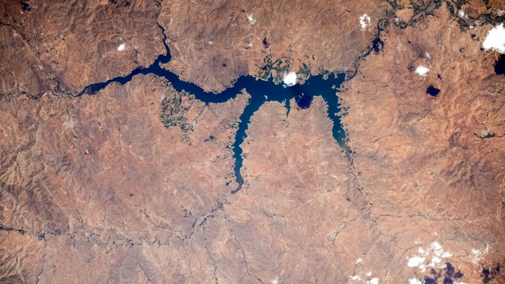 Плотина Bukan, Иран