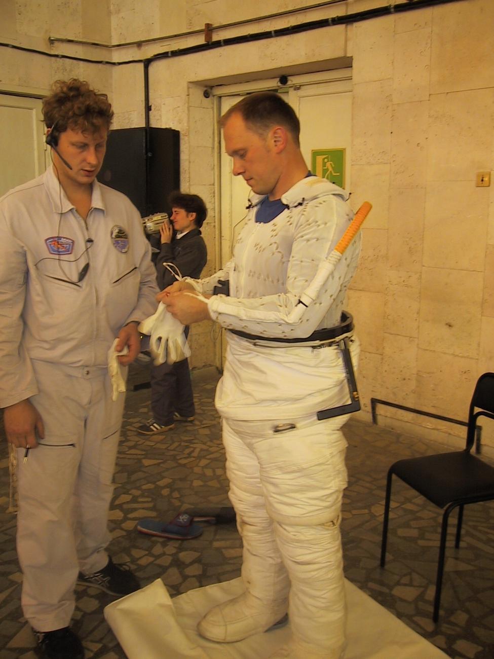 Испытания скафандра EMU (NASA)