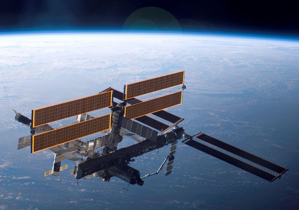 Международная Космическая Станция 2006 г.