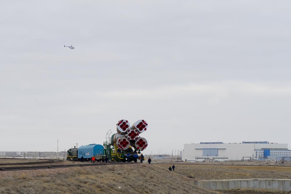 """Вывоз РКН """"Союз"""" на стартовую площадку ракеты-носителя """"Союз-ФГ"""" с пилотируемым космическим кораблем"""