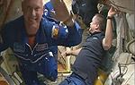 """Экипаж корабля """"Союз ТМА-12М"""" перешел на МКС (видео)"""