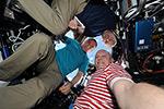 Космическое селфи от Олега Артемьева, Александра Скворцова и Стивена Свонсона