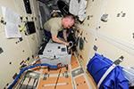 Работа на МКС. Установка термостата ТБУ-В