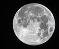 Полнолуние. Луна перед заходом за горизонт Земли