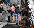 Процедура взвешивания космонавтов на МКС